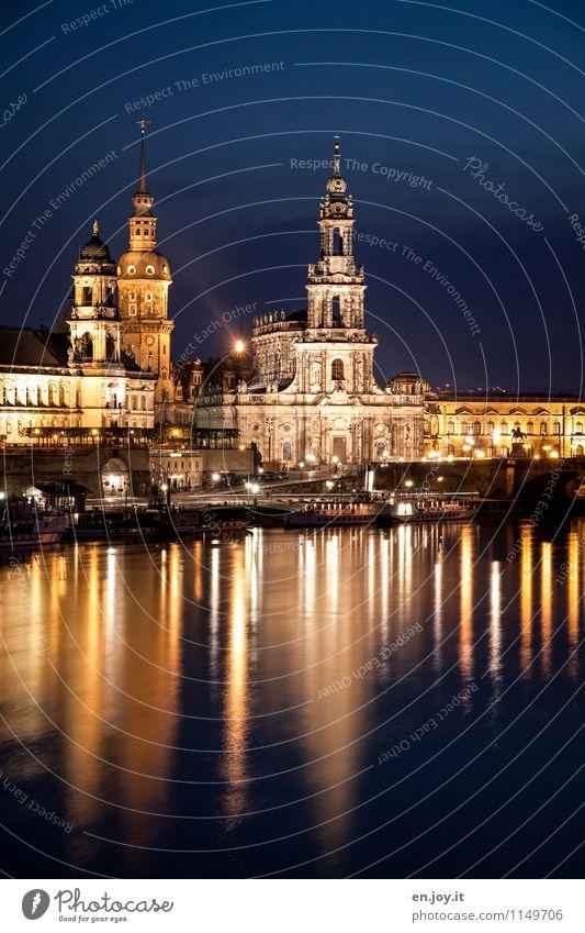 erleuchtet Ferien & Urlaub & Reisen Stadt blau gelb Beleuchtung Deutschland Tourismus Ausflug Kirche Turm historisch Burg oder Schloss Skyline Wahrzeichen