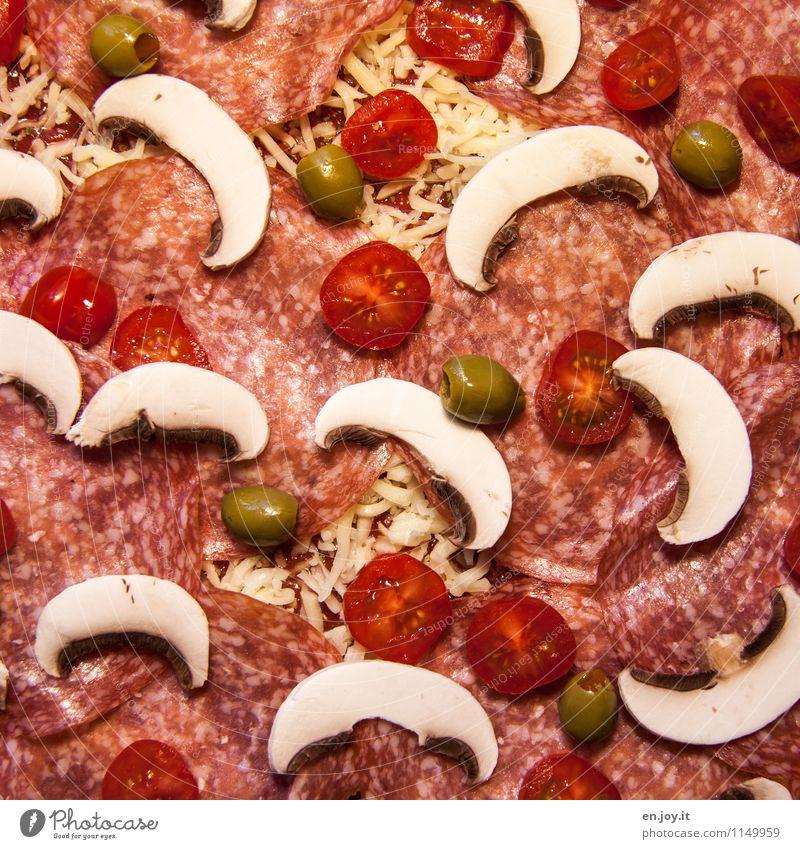 vorher Lebensmittel Wurstwaren Käse Pizza Champignons Oliven Tomate Salami Ernährung Mittagessen Abendessen Fastfood Italienische Küche Gesunde Ernährung