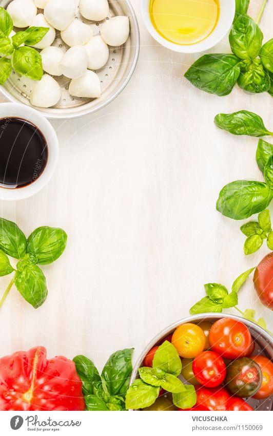 Tomaten Mozzarella Salat with Öl und Balsamico grün rot Gesunde Ernährung gelb Leben Stil Hintergrundbild Lebensmittel Design Tisch Kräuter & Gewürze Küche