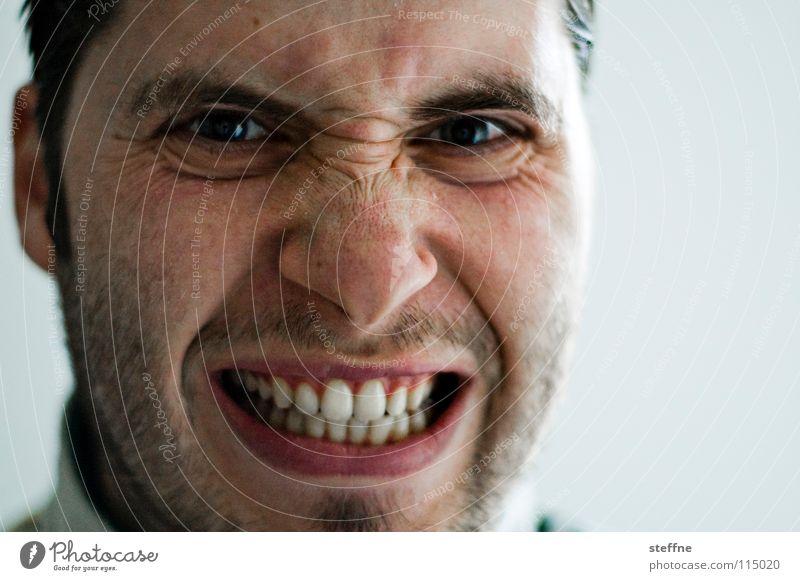 Der liebe Junge II Mann Kerl gehorsam böse erstaunt Überraschung Selbstportrait Porträt Bart Gefühle Schwäche Self Gesicht Auge Mund Nase Dreitagebart Haut boy