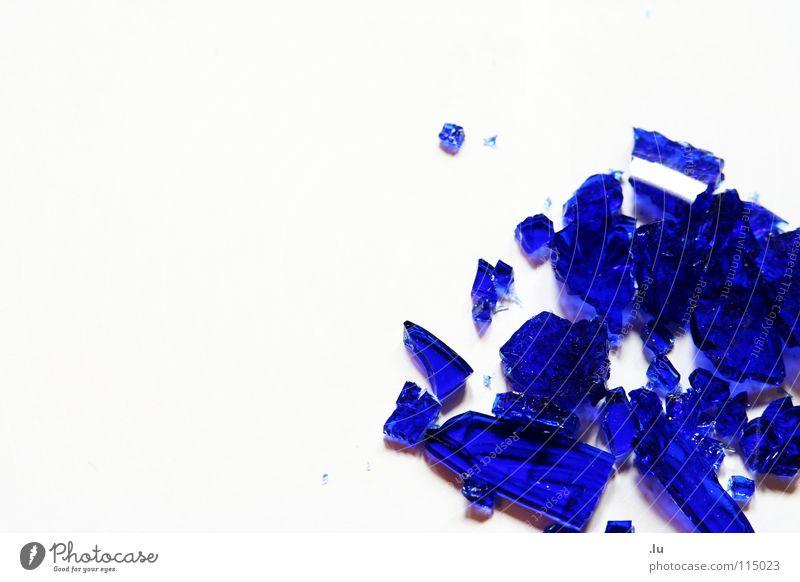_ bringen Glück schön blau Stein Glas kaputt Dekoration & Verzierung fallen Kot gebrochen edel Ärger Zerstörung zerbrechlich Scherbe Mineralien