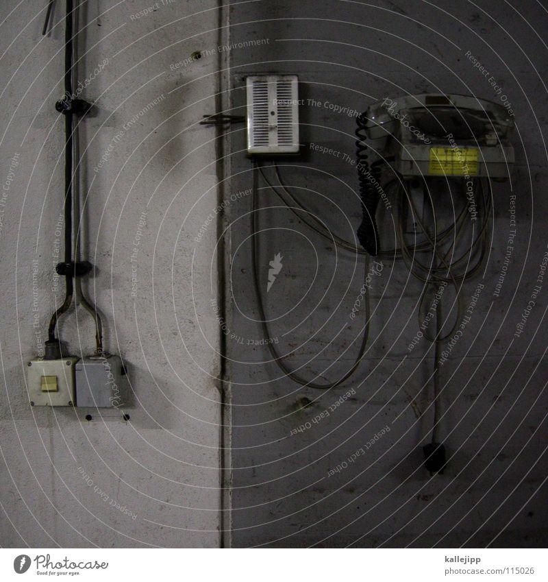 ring, ring alt springen Arbeit & Erwerbstätigkeit Kommunizieren Telekommunikation Schnur Pause Telefon retro Ziffern & Zahlen Kabel geheimnisvoll verfallen Netz