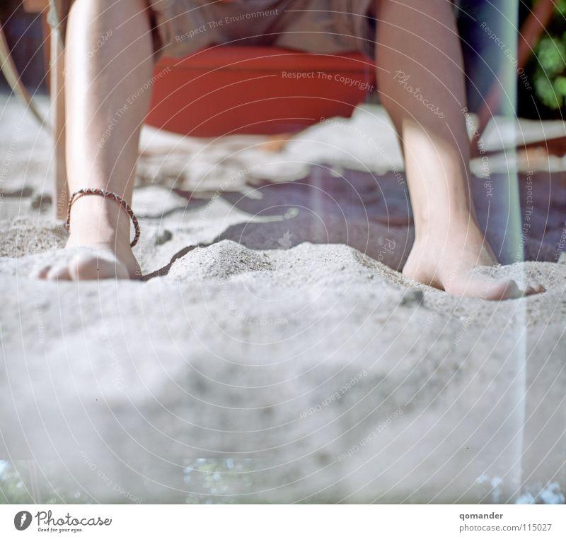 Warmer Sand Strandbar Sommer Liegestuhl Erholung Ferien & Urlaub & Reisen Schmuck Mittelformat Rheinstrand Fuß Beine Wärme 6x6 Belichtungsfehler