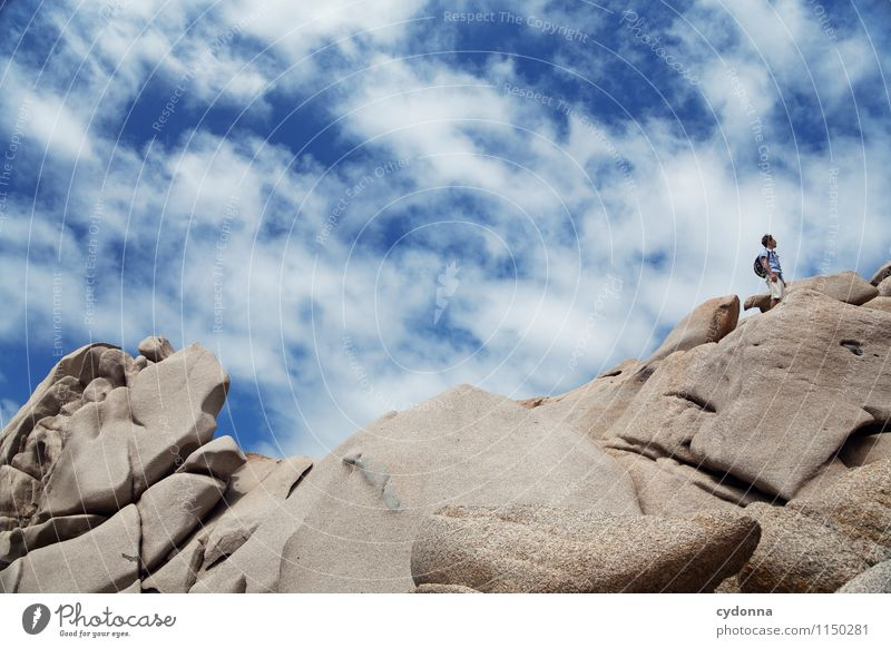 Hoch hinaus Mensch Himmel Natur Ferien & Urlaub & Reisen Jugendliche Landschaft Junger Mann Ferne 18-30 Jahre Erwachsene Umwelt Berge u. Gebirge Leben Bewegung