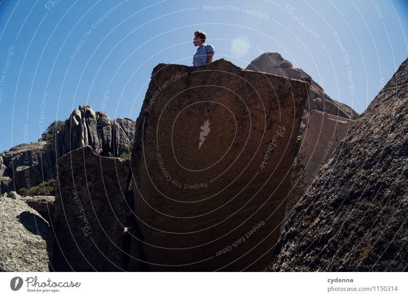 Überblick verschaffen Lifestyle Leben Ferien & Urlaub & Reisen Tourismus Ausflug Abenteuer Freiheit Berge u. Gebirge wandern Mensch Junger Mann Jugendliche