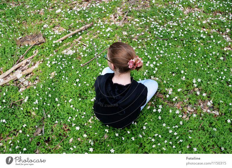 Frühlingskind Mensch Kind Natur Jugendliche Pflanze schön grün Erholung Blume Mädchen Umwelt Wiese natürlich feminin Haare & Frisuren