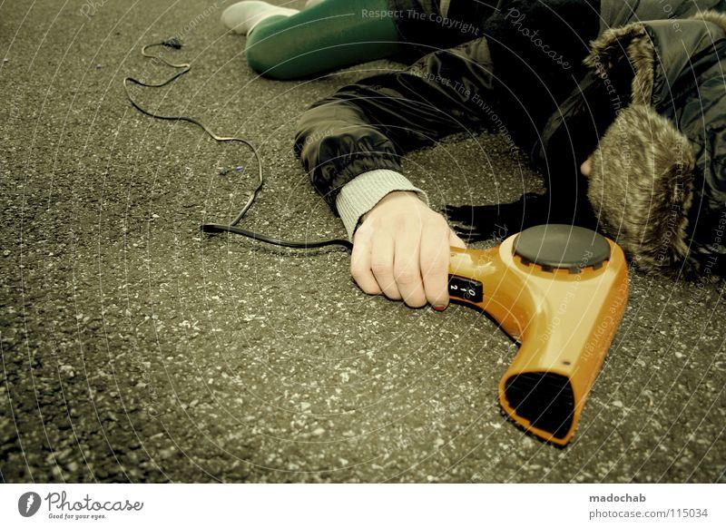 DEATH BY STYLE Lifestyle Frau Regenschirm Mütze Gürtel Bekleidung Körperhaltung Wand stehen Stiefel Minirock Neonlicht Mensch Leder Holz Hintergrundbild
