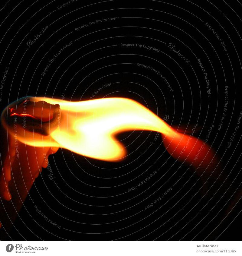 The Light comes into the world... rot Freude schwarz Erholung gelb dunkel Lampe hell Wohnung liegen Brand Dekoration & Verzierung Kerze Frieden gemütlich Flamme