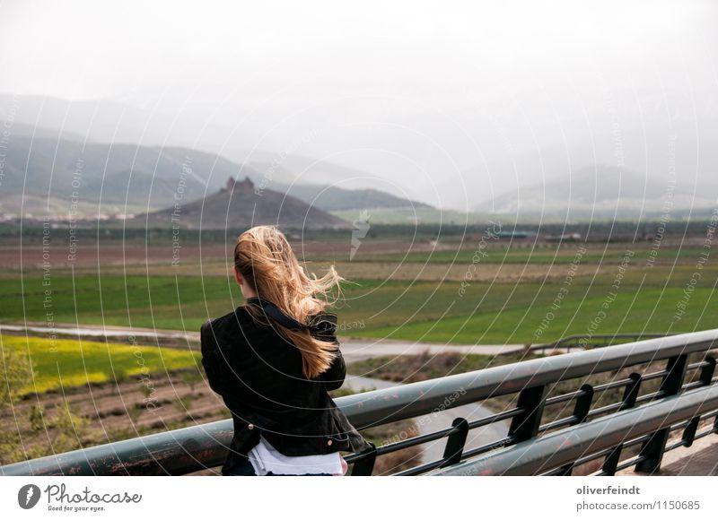 Spanien V Ferien & Urlaub & Reisen Ausflug Abenteuer Ferne Freiheit Berge u. Gebirge feminin Junge Frau Jugendliche 1 Mensch 18-30 Jahre Erwachsene Umwelt Natur