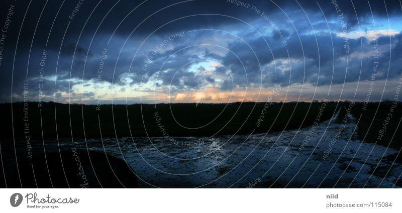 horizontale wetterlage Ferien & Urlaub & Reisen schwarz Wolken dunkel Wege & Pfade Regen Ziel Gewitter Fußweg Schlamm Einbruch wegfahren schlechtes Wetter unbeständig Regenwolken Rückspiegel