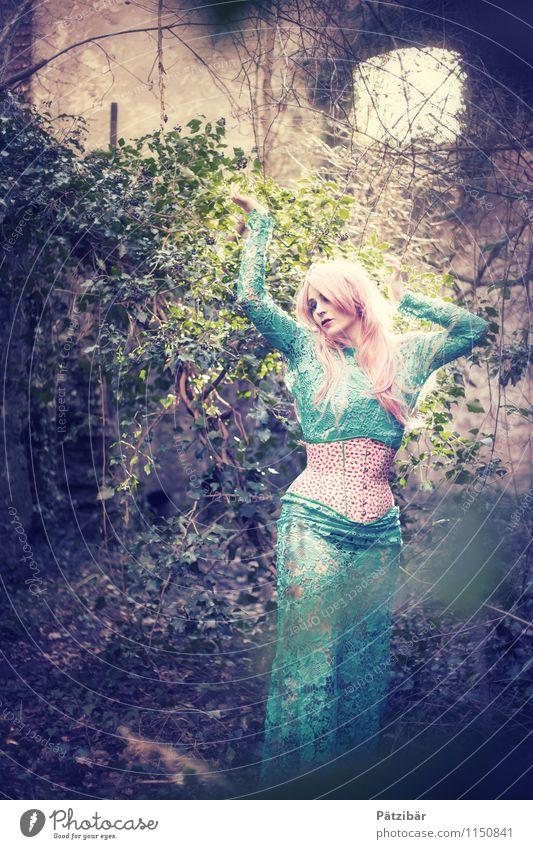 Lost Dance elegant feminin 1 Mensch Kunst Tanzen Tänzer Natur Sommer Kleid Korsett langhaarig ästhetisch exotisch fantastisch schön Erotik gelb violett Gefühle