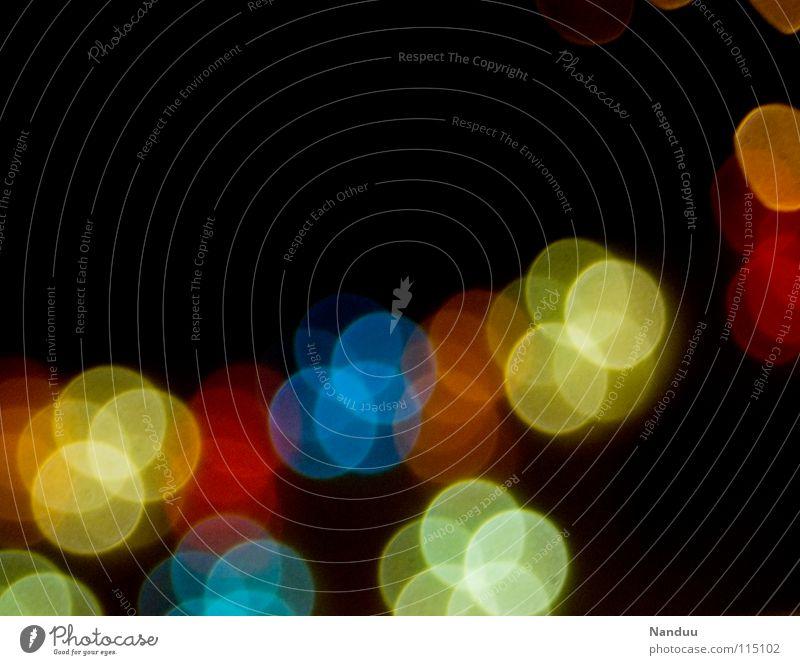 Auf den Punkt Farbfoto mehrfarbig Experiment abstrakt Muster Menschenleer Hintergrund neutral Nacht Licht Lichterscheinung Low Key Unschärfe Winter