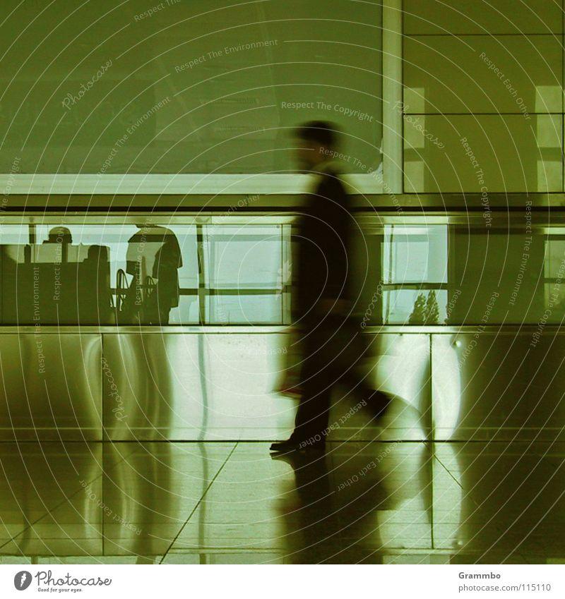 Steuerflucht Mensch Mann schwarz Erwachsene gehen Ausflug Erfolg Verkehr Tourismus Geschwindigkeit maskulin Luftverkehr Flughafen Geschäftsleute