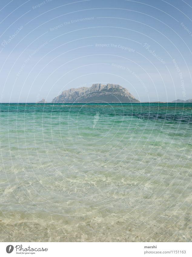 Badewanne mit Ausblick Natur Landschaft Himmel Sonne Klima Strand Bucht Meer Insel Stimmung Sardinien Berge u. Gebirge Aussicht Ferne Fernweh Reisefotografie