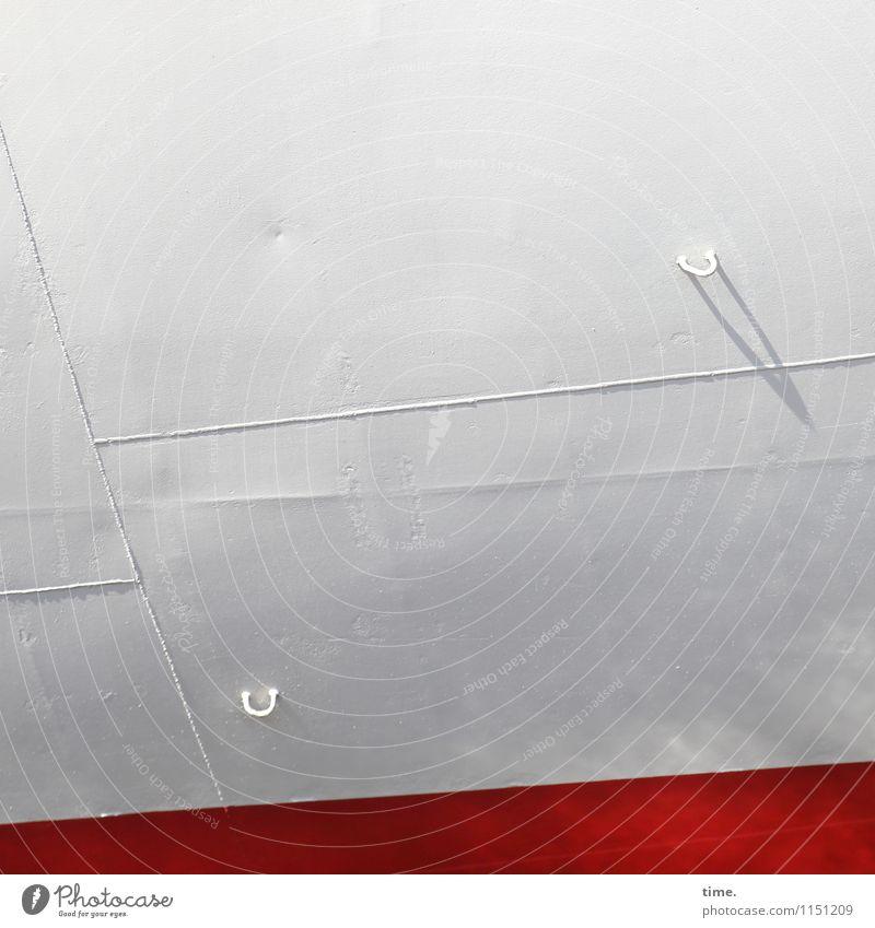 für was auch immer Schifffahrt Wasserfahrzeug Bordwand Haken Verpackung Lack Bootslack Schweißnaht Metall Stahl Linie hell maritim ästhetisch Design entdecken