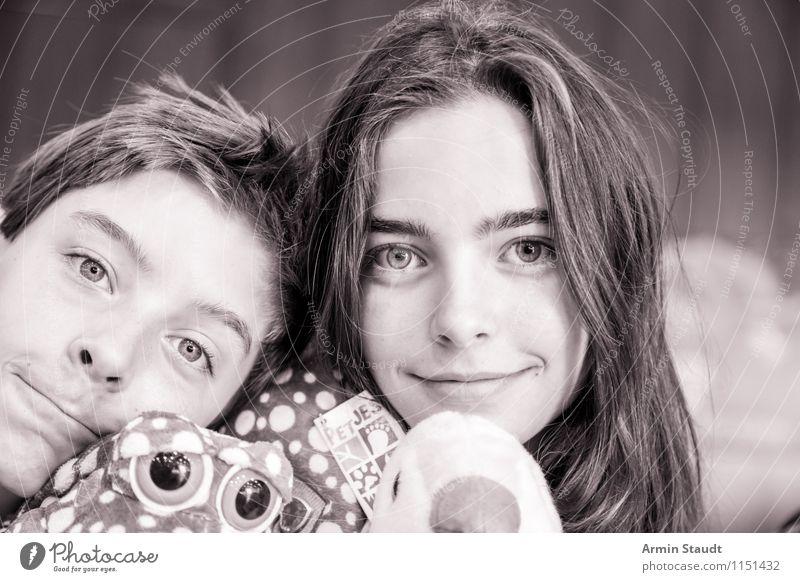 Geschwister Lifestyle schön Mensch maskulin feminin Bruder Schwester Familie & Verwandtschaft Freundschaft Paar Jugendliche 2 13-18 Jahre Kind berühren