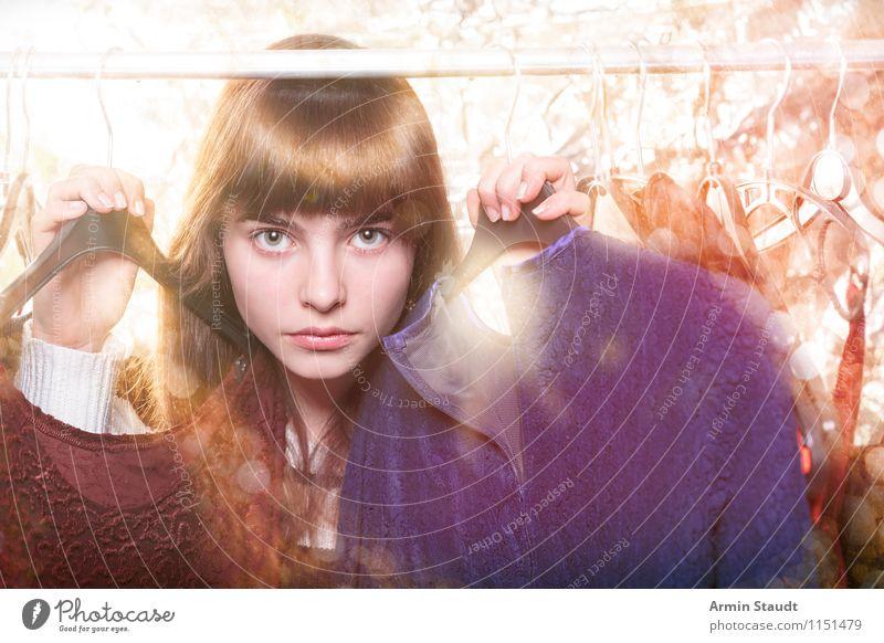 Neulich im Kleiderschrank XIII Mensch Frau Kind Jugendliche schön Junge Frau Erwachsene Gesicht Beleuchtung feminin Stil Haare & Frisuren Mode Lifestyle Design leuchten