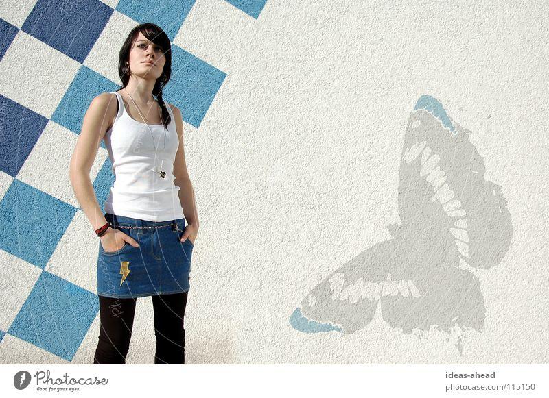 empha No.1 Körperhaltung Frau Hardcore lässig Schmetterling Zopf schwarz Blitze Armband Model Bekleidung Eva Empha Gitarre Checkaboard empha.de Modedesign