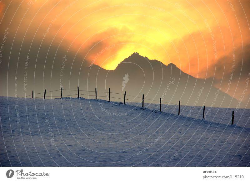 Heisskalt Winter Zaun Sonnenaufgang Physik Nebel Kraft Landschaft Schnee Berge u. Gebirge Alpen Wärme