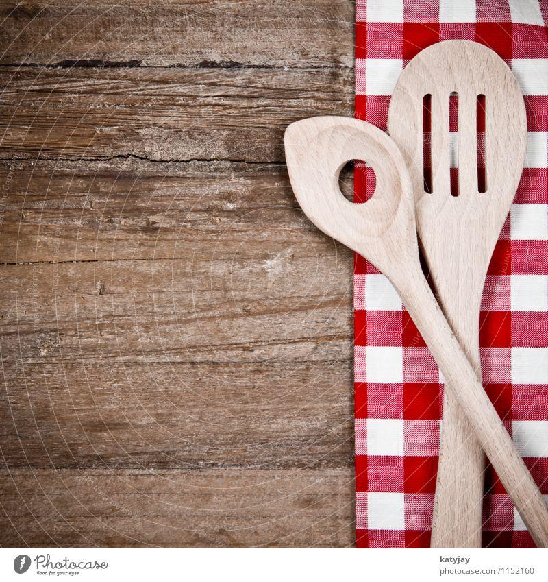 Kochlöffel Löffel Holz alt Besteck Tischwäsche Holzbrett Küche rot Holztisch kariert Haushalt Werkzeug Speise Gabel Lebensmittel weiß braun retro Nahaufnahme