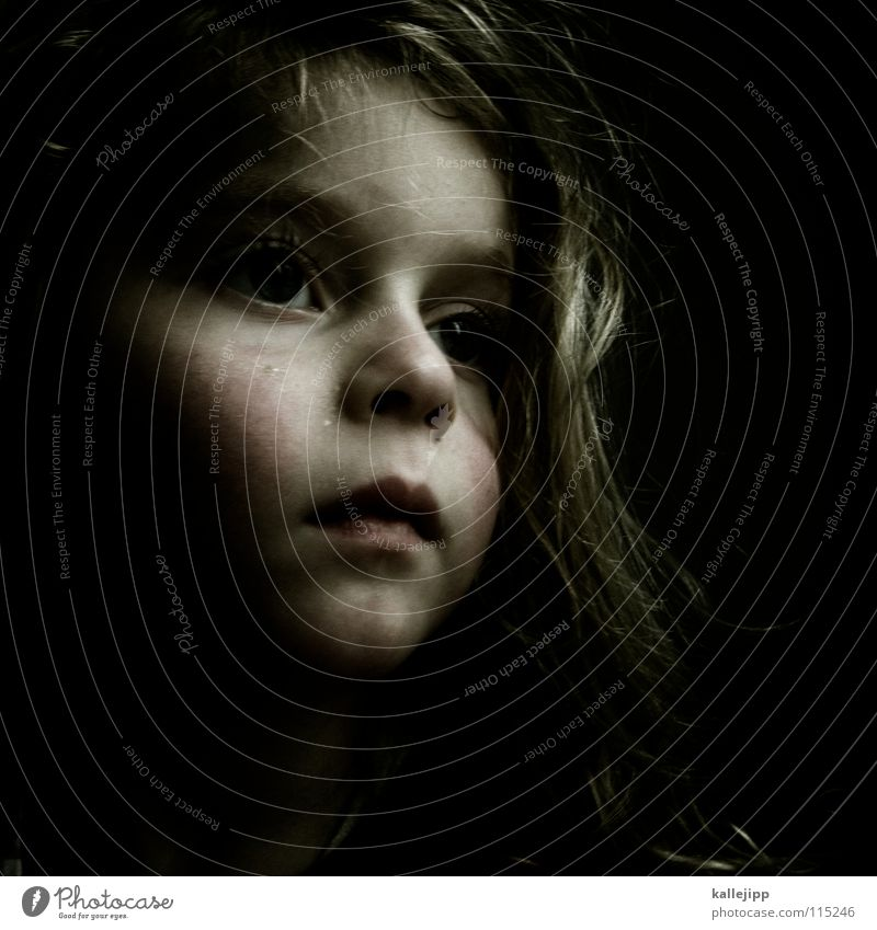 traumstunde Kind Mädchen verschlafen verträumt träumen Fantasygeschichte Mensch unberührt neutral Gefühle Physik Lippen Porträt Vergangenheit story Müdigkeit