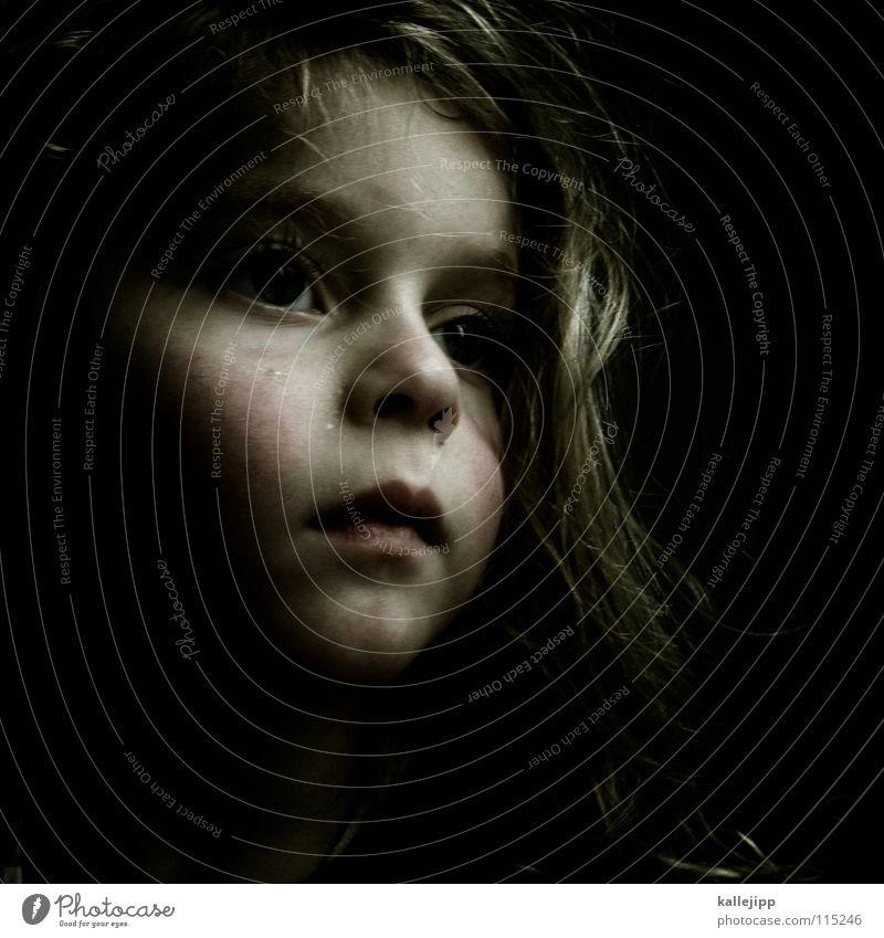 traumstunde Mensch Kind Mädchen Gesicht Auge Gefühle Haare & Frisuren träumen Mund Wärme Haut Nase Lippen Physik Müdigkeit Vergangenheit