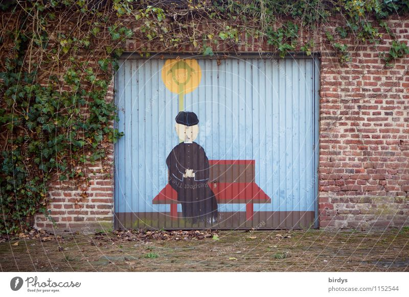 Garagentor mit Geschichte Gemälde Kultur Bild Efeu Mauer Wand Backsteinwand sitzen außergewöhnlich Freundlichkeit lustig positiv Güte bescheiden Gefühle