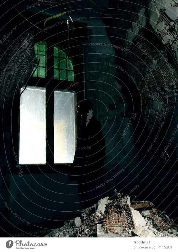 wenn einem die decke auf den kopf fällt Cottbus Deutschland Langzeitbelichtung Schichtarbeit Fenster Licht Mörtel Putz Baustelle verfallen kaputt gefährlich