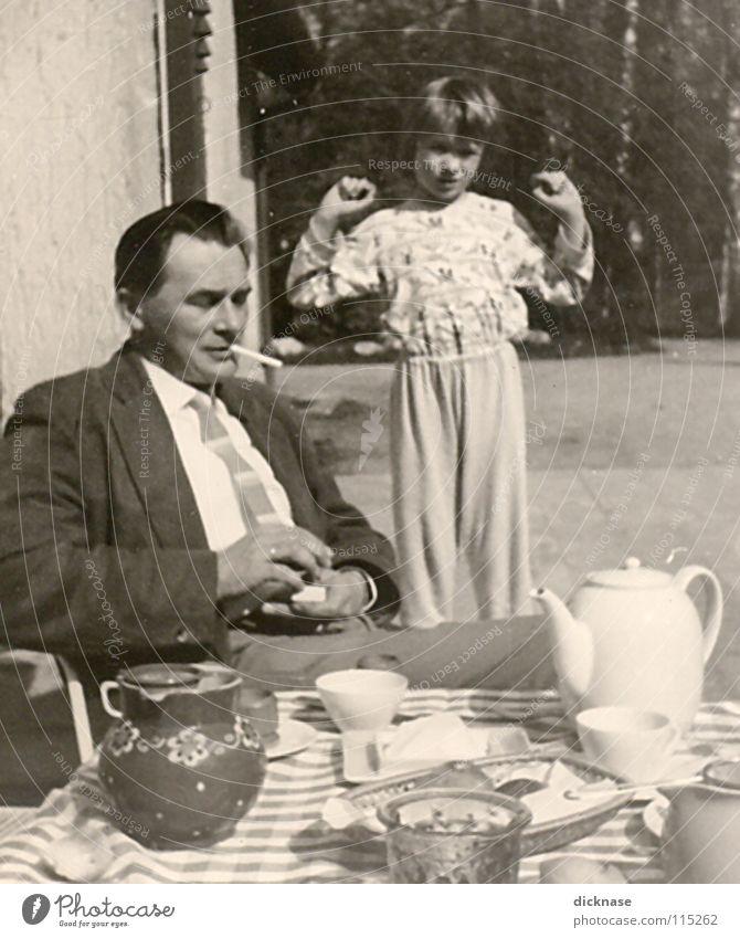 """Früher...Vol.01 """" GUTEN MORGEN™ """" Mensch Kind Sonne Ernährung Familie & Verwandtschaft Kaffee Rauchen Morgen Tee Vater Geschirr Müdigkeit Verkehrswege Anzug"""