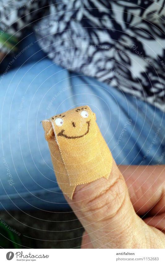 HandWerk Mensch Mann blau Erwachsene Gefühle Gesundheit Glück braun Gesundheitswesen maskulin Fröhlichkeit ästhetisch Lebensfreude Kommunizieren Finger