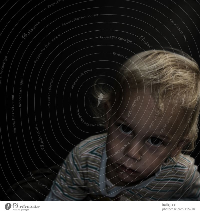 knipsen is langweilig... Kind verschlafen träumen Fantasygeschichte Mensch unberührt neutral Gefühle Physik Lippen Dickkopf Wut Fragen Porträt Junge