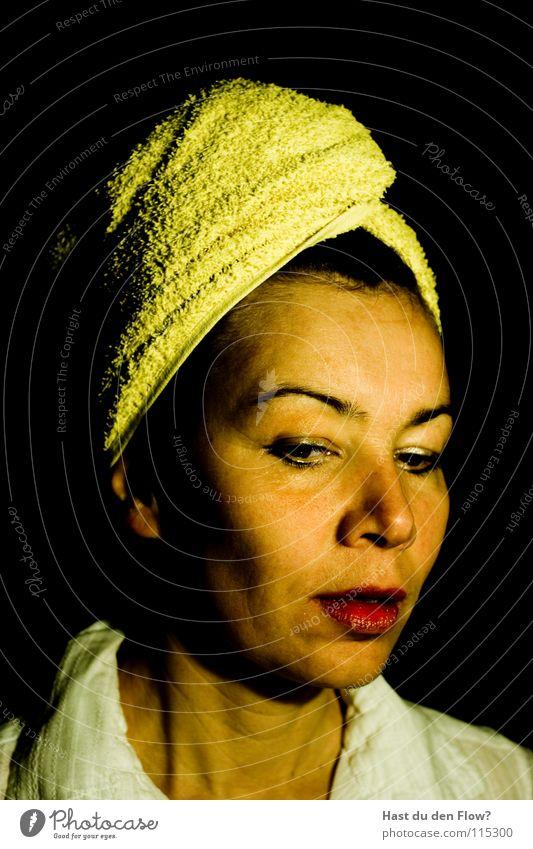 Wishy washy Mensch Frau blau weiß schön schwarz Gesicht Auge feminin sprechen Haare & Frisuren Kopf Traurigkeit braun elegant maskulin