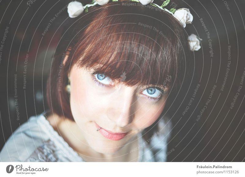 . Mensch Jugendliche schön Junge Frau Auge Liebe natürlich feminin träumen frisch Fröhlichkeit niedlich Warmherzigkeit weich Freundlichkeit Hochzeit