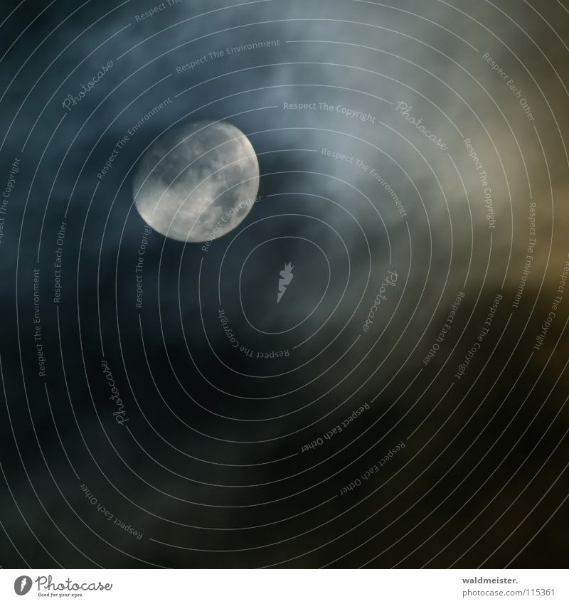 Mond und Wolken Himmel träumen Planet Himmelskörper & Weltall Astronomie Astrologie Werwolf Mondsüchtig Astrofotografie