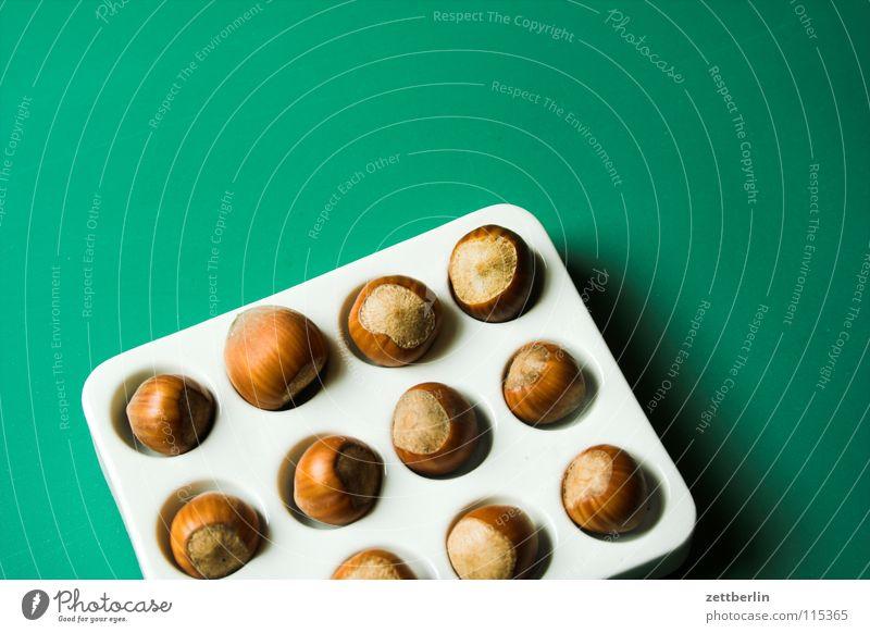 Nüsse Nuss Haselnuss Aschenputtel Küche Vorrat Portion Freudenspender Gastronomie Dinge bunter teller kochen & garen backzutat zuteilung rezeptpflicht