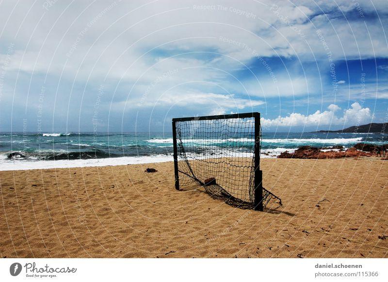 Winterpause Fußballtor Strand Meer leer Pause Horizont Ferien & Urlaub & Reisen Wolken Hintergrundbild Einsamkeit Korsika Frankreich Wellen weiß Küste Ballsport