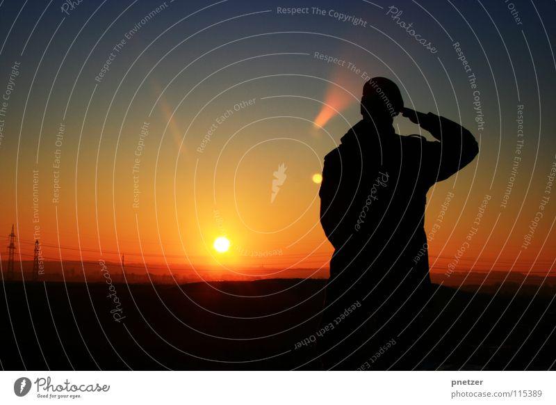 Abspann Himmel Mann Natur blau Sonne Ferien & Urlaub & Reisen Freude Winter schwarz Einsamkeit Landschaft Freiheit orange Zeit Sonnenuntergang Verlauf