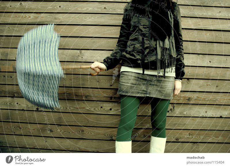 ZEITMASCHINE Lifestyle Frau Regenschirm feminin Mütze Gürtel Bekleidung Körperhaltung Wand stehen Stiefel Minirock Neonlicht Mensch Leder Holz Hintergrundbild