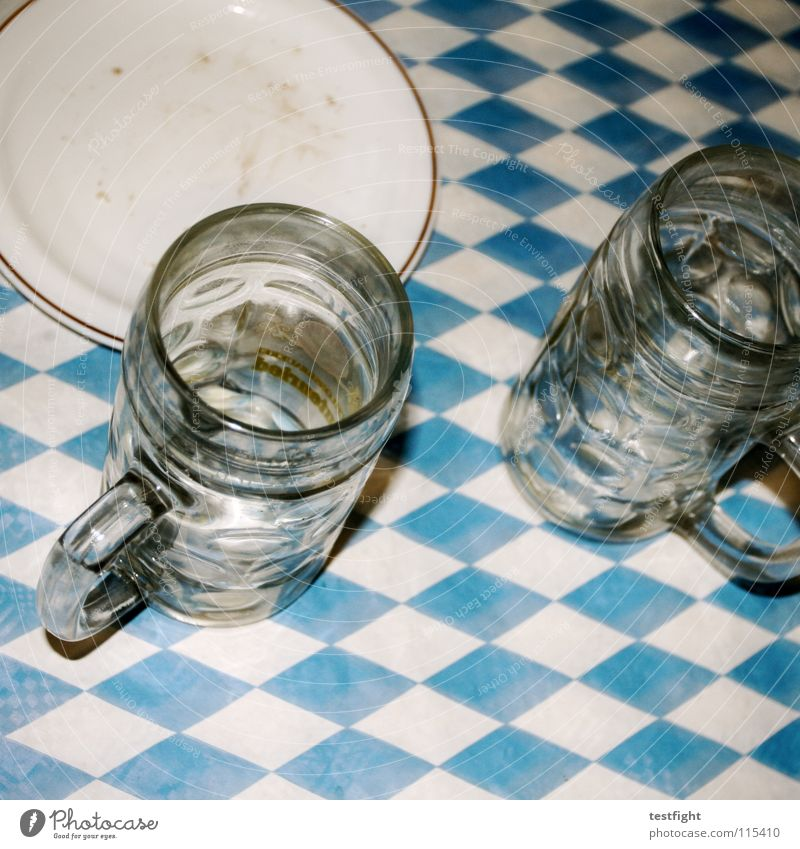 mir san mir trinken Hälfte Bier Bayern Krug Bierkrug Teller Gastronomie schädeln Skala Alkohol Ernährung bad taste bierflas Tischwäsche