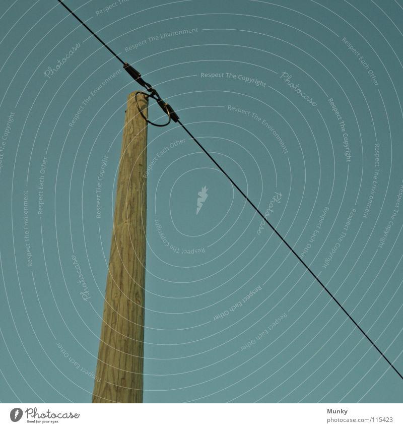 Energieversorger Nummer Eins blau grün Holz Linie hoch Verkehr Geschwindigkeit verrückt Energiewirtschaft Elektrizität Kabel Internet rund diagonal