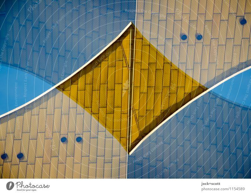 Doppel-Gold Architektur außergewöhnlich Fassade Zufriedenheit Design gold modern verrückt retro Wolkenloser Himmel Irritation Sehenswürdigkeit Doppelbelichtung