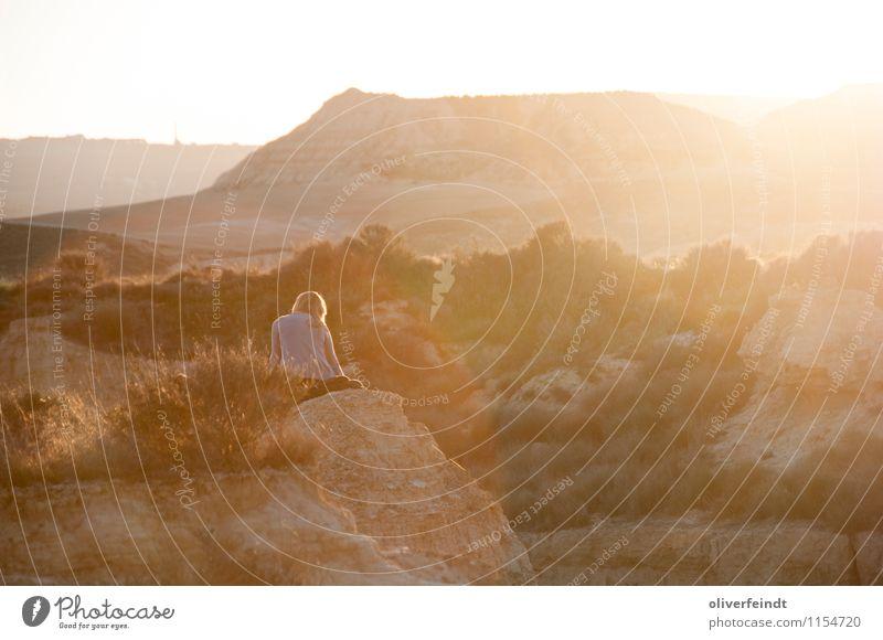 Spanien VII Natur Ferien & Urlaub & Reisen Jugendliche Sommer Junge Frau Sonne Erholung Landschaft 18-30 Jahre Ferne Erwachsene Wärme Freiheit Felsen Horizont