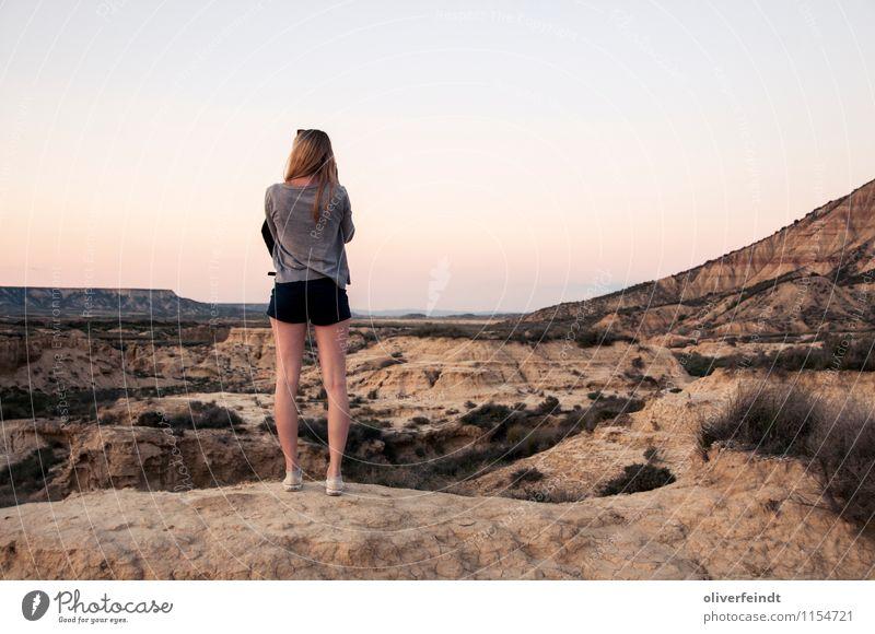 Spanien VI Mensch Himmel Natur Ferien & Urlaub & Reisen Jugendliche schön Sommer Junge Frau Landschaft 18-30 Jahre Ferne Umwelt Erwachsene feminin Freiheit Felsen
