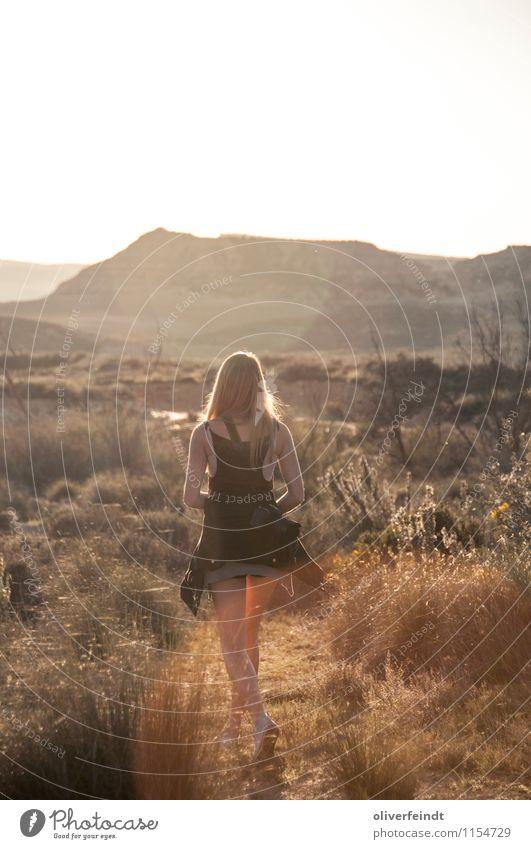 Spanien IX Natur Ferien & Urlaub & Reisen Jugendliche Pflanze schön Junge Frau Sonne Erholung Landschaft 18-30 Jahre Ferne Erwachsene Wärme feminin Freiheit