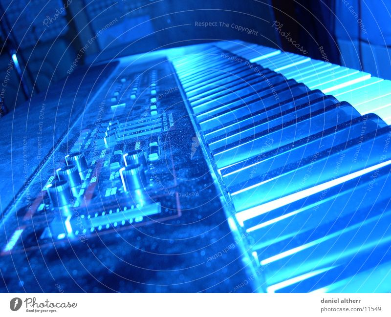 ins falsche Licht gerückt blau ruhig Musik Freizeit & Hobby Schnur Ton Klang laut Blues