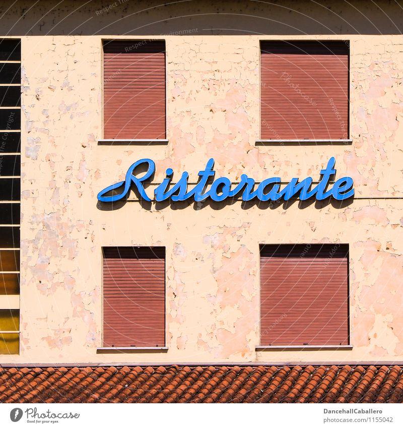 italienische Spezialitäten... Design Haus Renovieren Restaurant Essen Mauer Wand Fenster Rollladen Dach alt lecker retro blau Leuchtreklame Neonlicht genießen