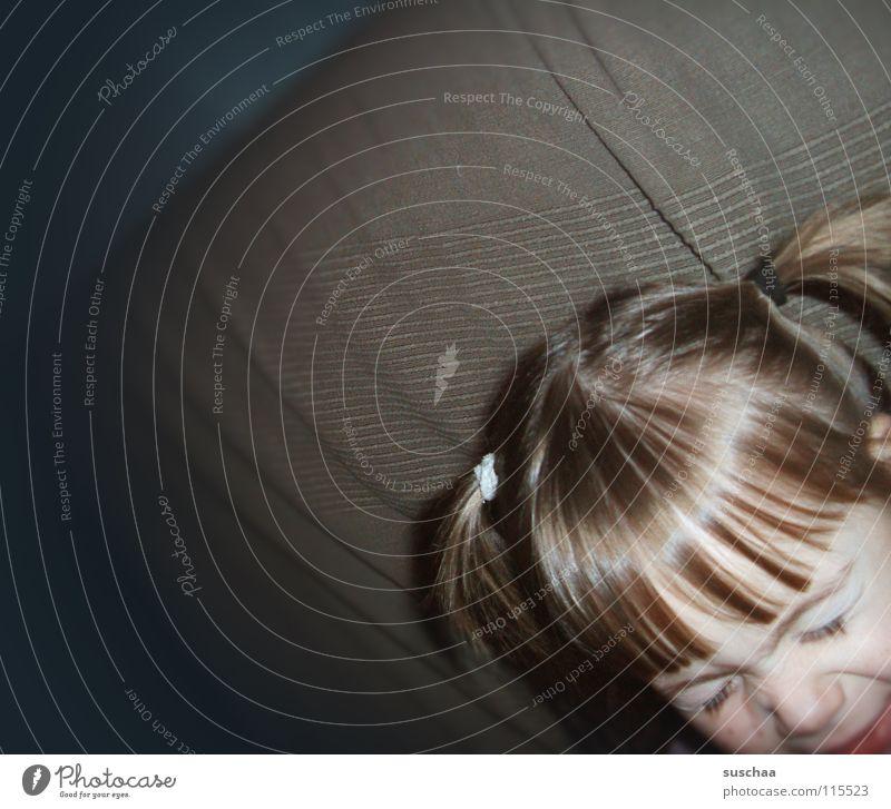 püppi wieder .. Kind Kleinkind Zopf Mädchen Grimasse Pippi Langstrumpf Freude rattenschwänze haargummie Haare & Frisuren Kopf Gesicht gesicht verziehen