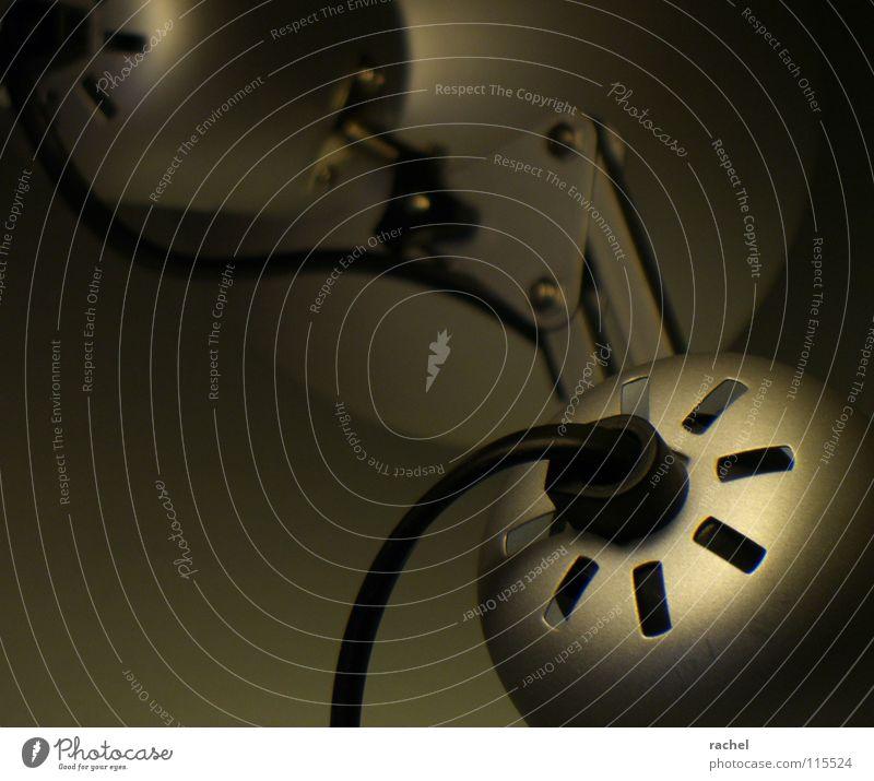 minimal III schwarz dunkel kalt Wärme Traurigkeit Metall Lampe hell Beleuchtung Arbeit & Erwerbstätigkeit glänzend Energiewirtschaft ästhetisch Häusliches Leben