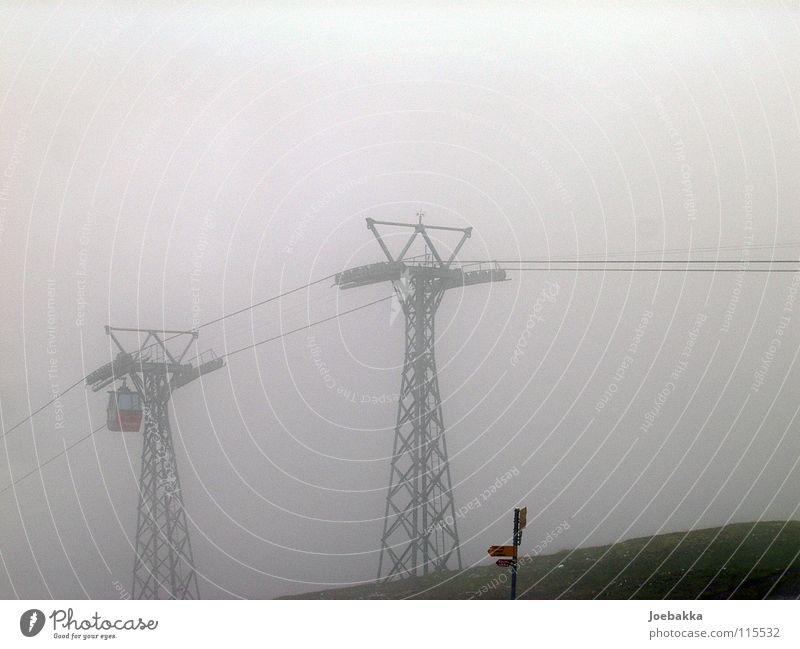 Herscher im Nebel Winter Berge u. Gebirge Seil fahren Schweiz Stahl Fahrstuhl Eisen Gondellift Seilbahn Drahtseil