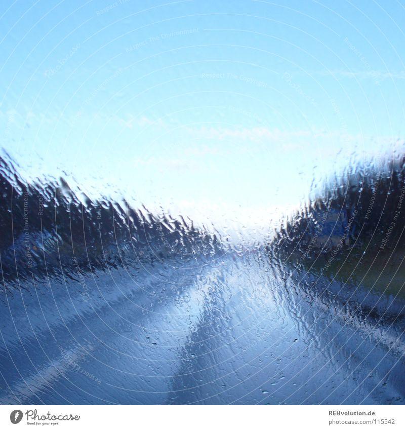 heimfahrt Wasser Himmel Sonne blau Straße PKW Regen Glas Wetter Wassertropfen nass Perspektive fahren Spuren Autobahn Verkehrswege